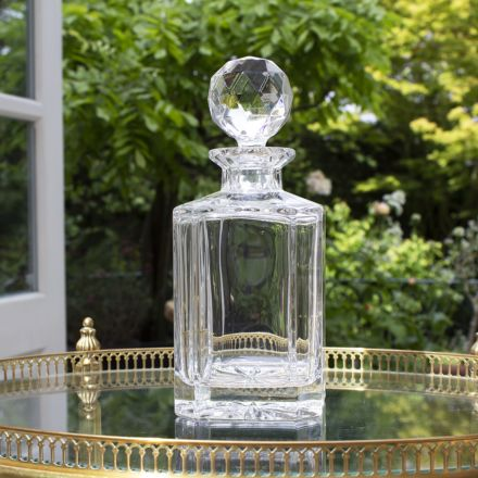 Classic Crystal Gin Decanter with star base and round stopper